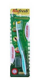 فرشاة الأسنان باللون الأخضر
